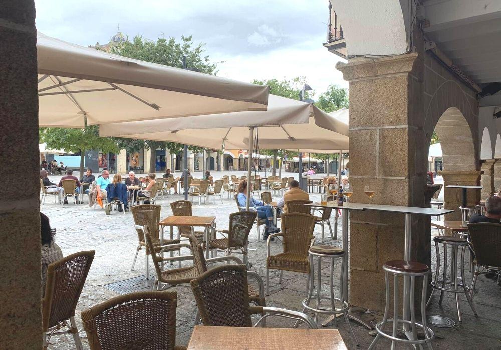 restaurante terraza plaza mayor plasencia